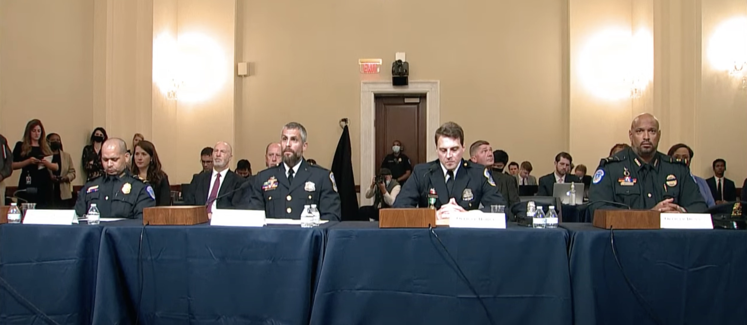 Right-wing commentators insult police officers who testified at January 6 committee hearing