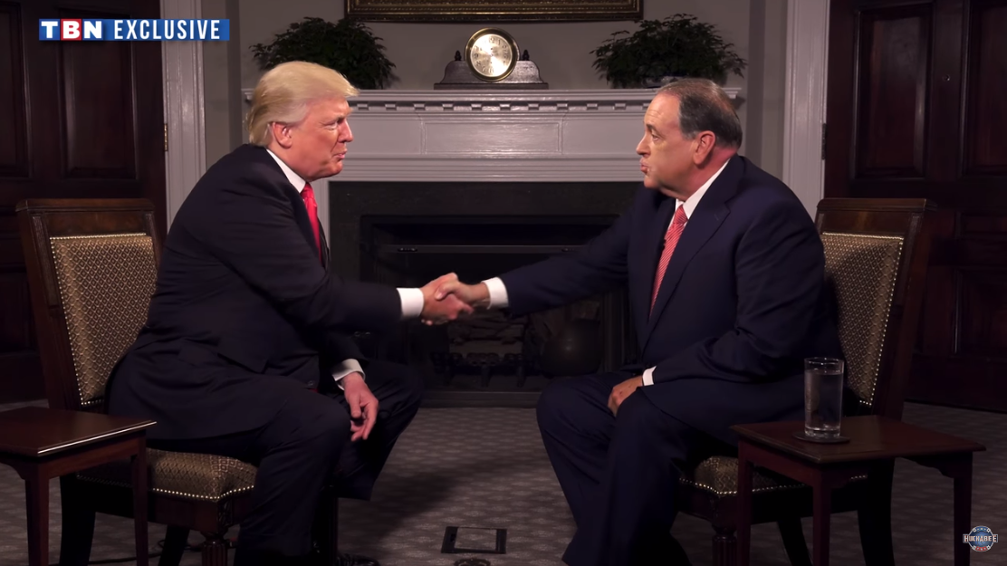 Mike Huckabee's Trump interview was ridiculous