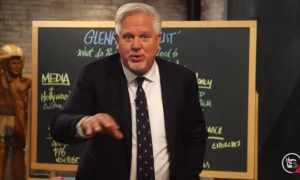 """Glenn Beck praises Tucker Carlson as the only one """"putting the puzzle pieces together"""" at Fox News"""