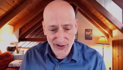 "Andrew Klavan says Chinese people ""eat bats, like savages"""